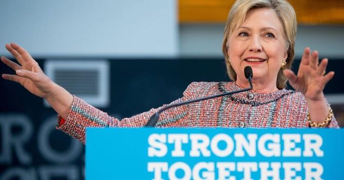 FBI thẩm vấn bà Hillary Clinton