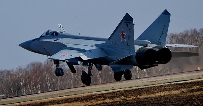 """Tướng không quân Mỹ """"chê"""" phi công Nga"""