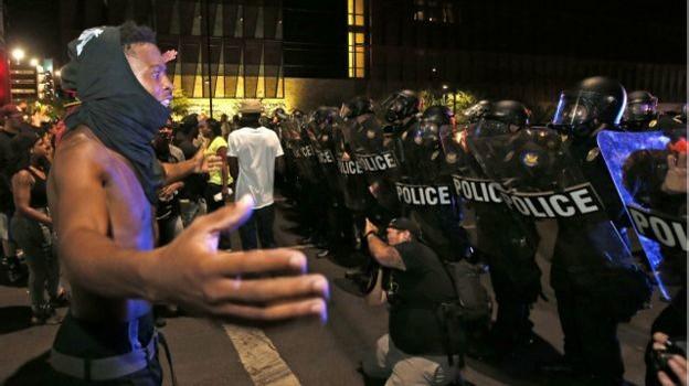 Biểu tình sau vụ cảnh sát Mỹ bắn người