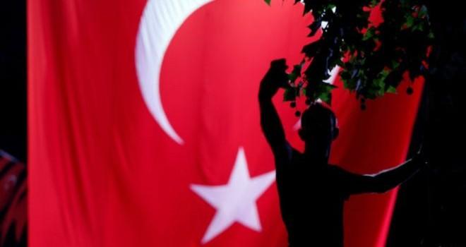 Sau vụ đảo chính bất thành, Thổ Nhĩ Kỳ cấm giáo viên xuất cảnh