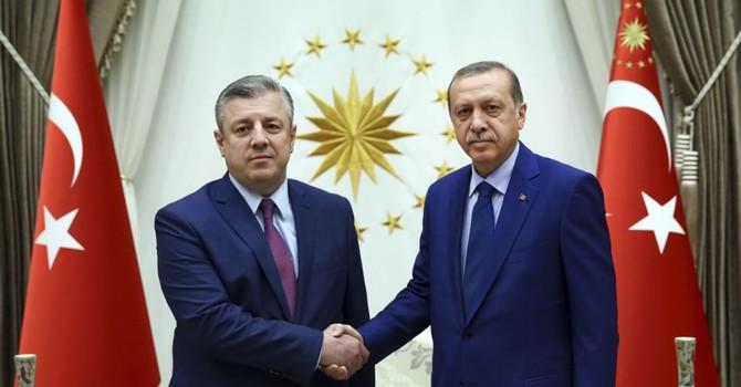 Tổng thống Thổ Nhĩ Kỳ họp khẩn sau cuộc đảo chính bất thành
