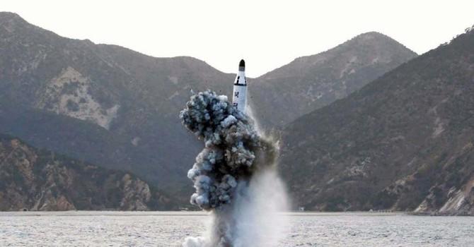 """Triều Tiên """"thửa riêng"""" quân cảng cho tàu ngầm phóng tên lửa đạn đạo"""