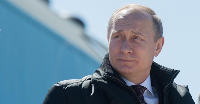 """Ông Putin """"gợi ý"""" cho Tổng thống Iran mua các loại vũ khí nào?"""