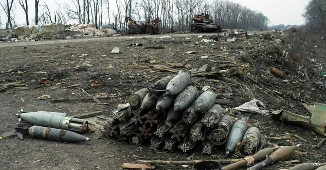 Báo Anh tiết lộ việc buôn lậu vũ khí từ Ukraine sang Tây Âu
