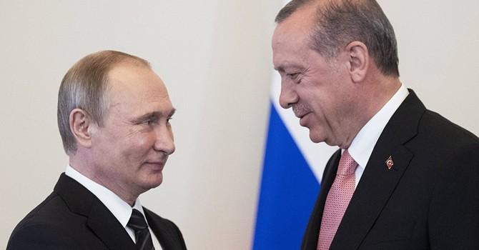 """Gác lại quá khứ bằng nụ cười và cái bắt tay """"nồng ấm"""" giữ ông Putin - Erdogan"""