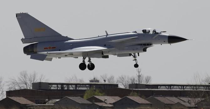Không quân Trung Quốc tuần tra Biển Đông để dọa Mỹ và Philippines?