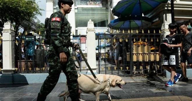 Thái Lan truy tìm điện thoại đánh bom