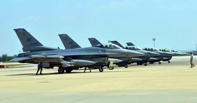 """Thủ tướng Thổ Nhĩ Kỳ """"gợi ý"""" Nga dùng căn cứ không quân đang cho NATO thuê"""