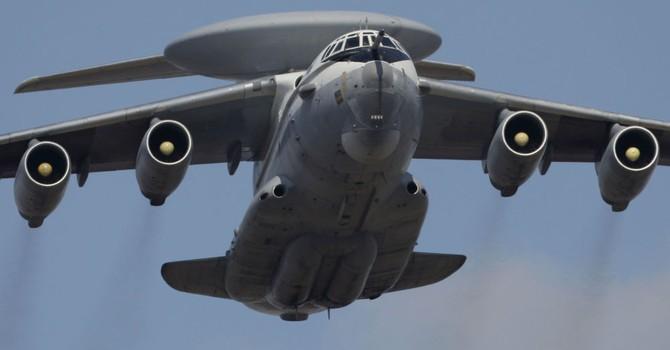 Nga sắp trình làng siêu máy bay quét chiến hạm, máy bay địch cách cả trăm km