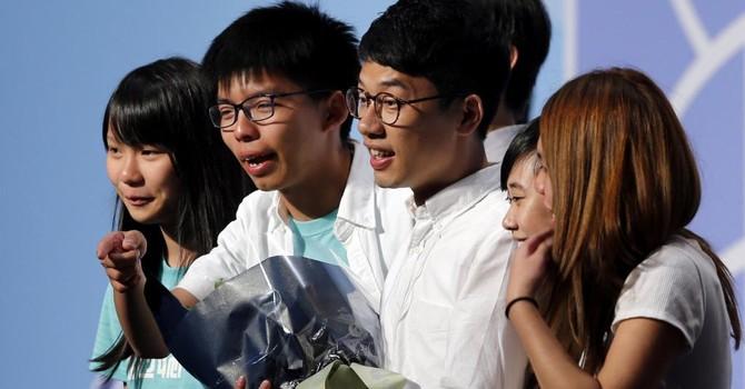 Trung Quốc cảnh cáo tân dân biểu Hồng Kông nếu còn đòi độc lập