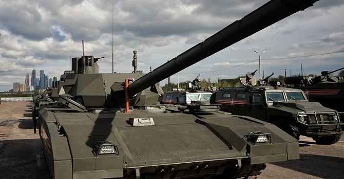 Quân đội Nga ký hợp đồng cung cấp lô xe tăng Armata đầu tiên