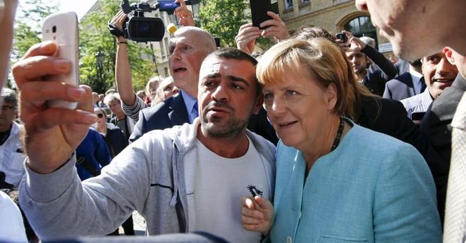 """Bà Merkel """"thua đau"""" vì chính sách nhập cư"""