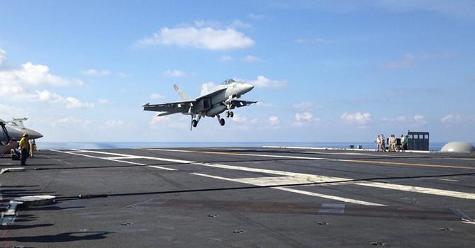 Chiến đấu cơ Mỹ ngụy trang giống màu máy bay tiêm kích Nga