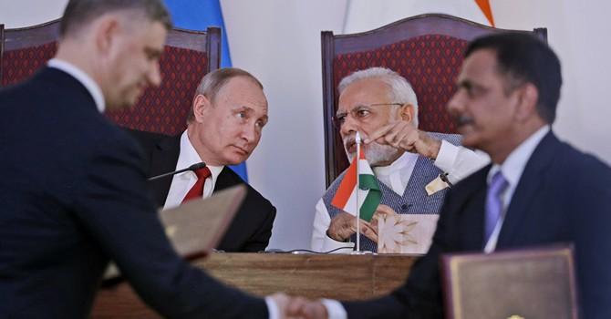 Nga sẽ bán cho Ấn Độ hệ thống tên lửa S-400 và bắt tay chế tạo máy bay trực thăng