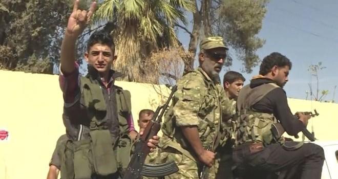 Quân nổi dậy được Thổ Nhĩ Kỳ hậu thuẫn ồ ạt tấn công và chiếm thành trì IS ở Syria