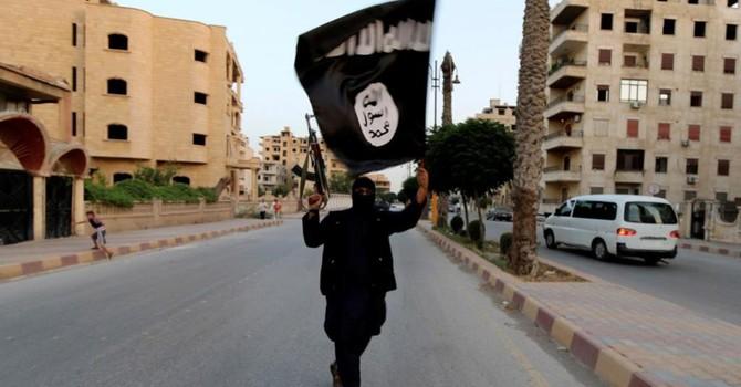 """Vì sao liên quân chưa đánh sập """"thủ phủ IS"""" ở Syria?"""