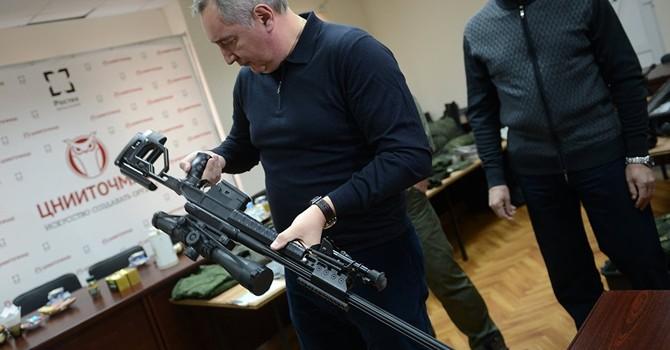 Phó Thủ tướng Nga đáp trả chỉ trích về súng bắn tỉa mới của Nga