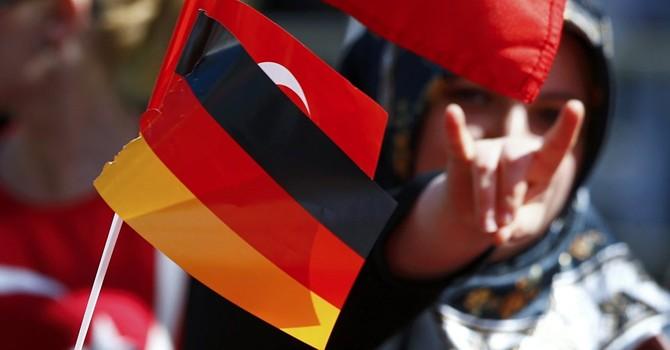 Nhiều tùy viên quân sự Thổ Nhĩ Kỳ trong căn cứ NATO xin tị nạn ở Đức