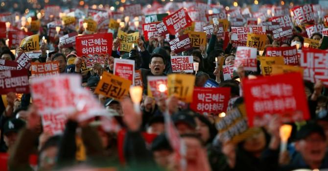 Dân Hàn Quốc tiếp tục biểu tình đòi Tổng thống từ nhiệm