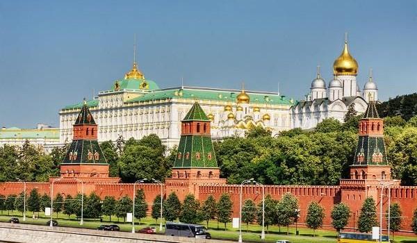"""Điện Kremlin phủ nhận quan điểm kinh tế Nga """"đang trải qua cơn nhồi máu cơ tim"""""""