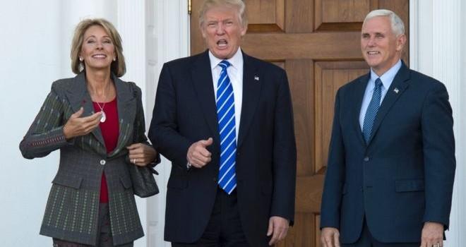 """Ông Donald Trump: Tái kiểm phiếu ở Wisconsin là """"lừa đảo"""""""