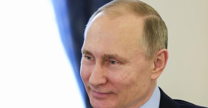 """Ông Putin nói Thượng nghị sĩ McCain đã """"lỗi thời"""""""