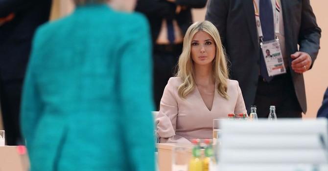 """Vì sao con gái ông Trump ngồi ghế nguyên thủ """"thế chỗ"""" cha ở G20?"""