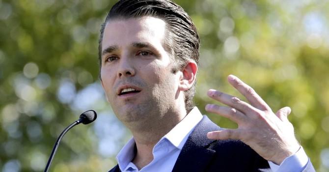 Lộ tin con trai ông Trump từng bí mật gặp một luật sư Nga