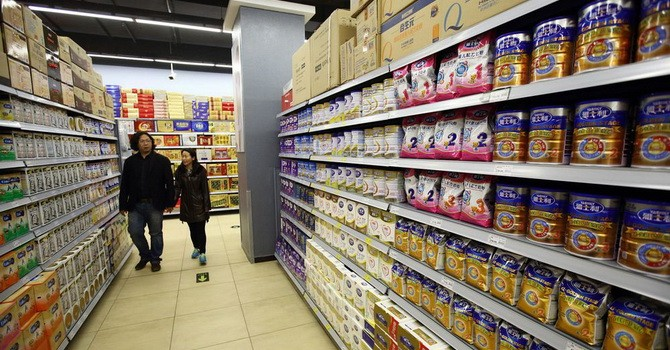Vì sao hàng loạt công ty Trung Quốc đua nhau mở nhà máy sữa ở nước ngoài?