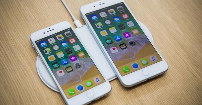 Apple nên mừng khi người tiêu dùng chê iPhone 8?
