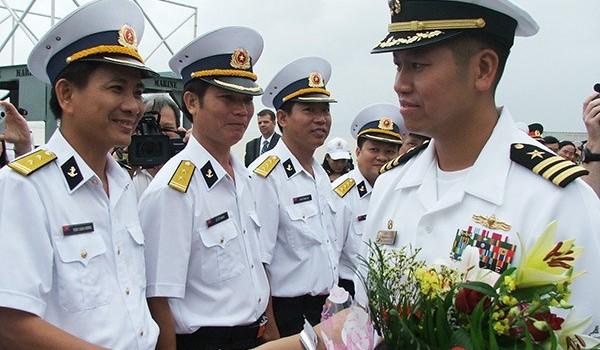Hạm trưởng gốc Việt chỉ huy 2 tàu khu trục của Hải quân Hoa Kỳ thăm Đà Nẵng