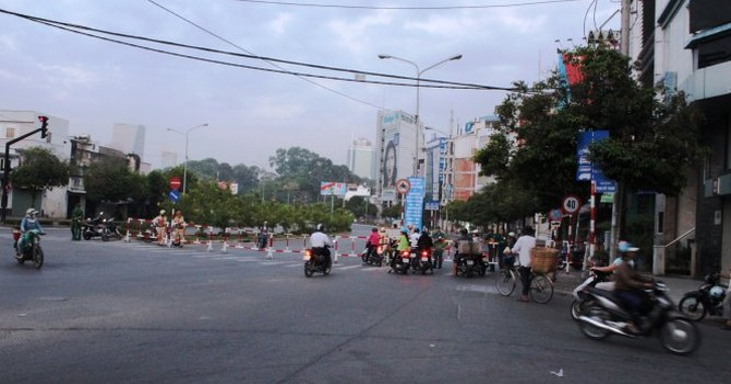 TP.HCM lại kẹt xe vì diễn tập cho lễ 30/4