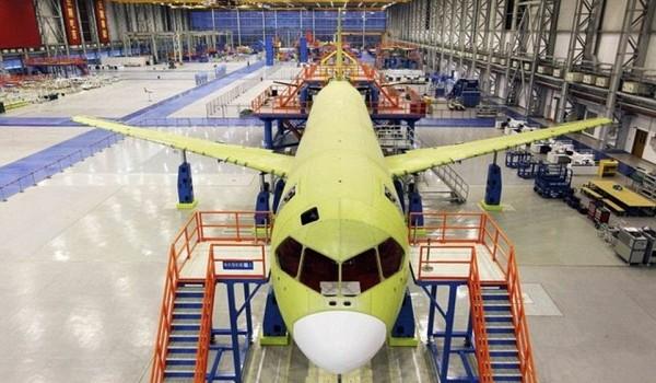 Bên trong xưởng sản xuất máy bay đối thủ Boeing của Trung Quốc