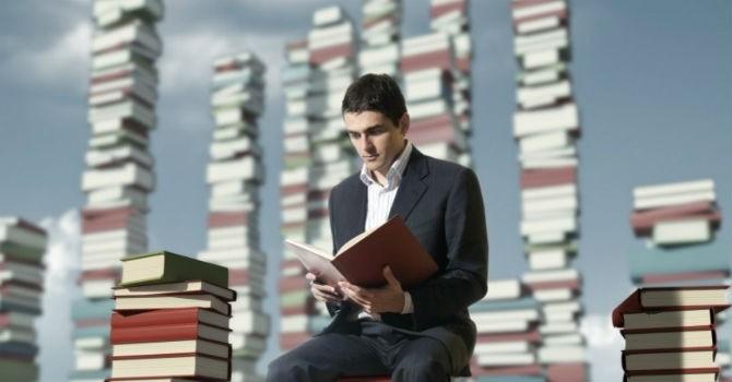 7 cuốn sách giá trị hơn cả bằng MBA