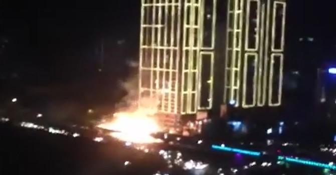 [Video] Tòa nhà Thăng Long Number One chập điện nổ như bom tối 31/5