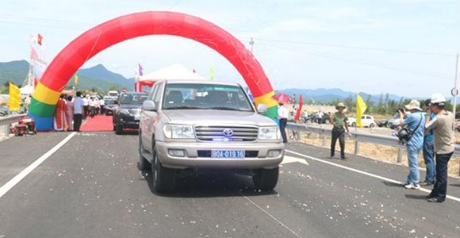 Thông xe hơn 33km mở rộng Quốc lộ 1 qua Quảng Bình