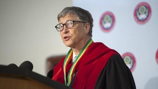 """Tỷ phú Bill Gates: """"Mọi người đừng bỏ học như tôi"""""""