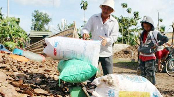 Thu mua nông sản kiểu lạ đời của thương lái Trung Quốc: Hiểu để trị tận gốc
