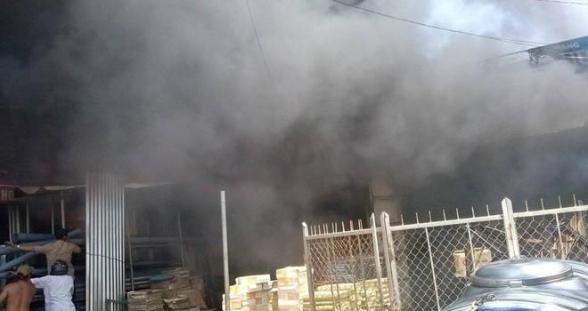 Đắc Lắc: Cháy chợ, nhiều căn nhà bị thiêu trụi hoàn toàn