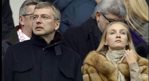 Tỷ phú Nga tiết kiệm được 4 tỷ USD tiền ly hôn