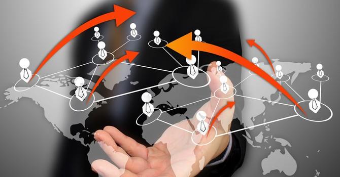 Hé mở mô hình BNI: Đóng phí, lôi kéo và dựa vào lòng tin
