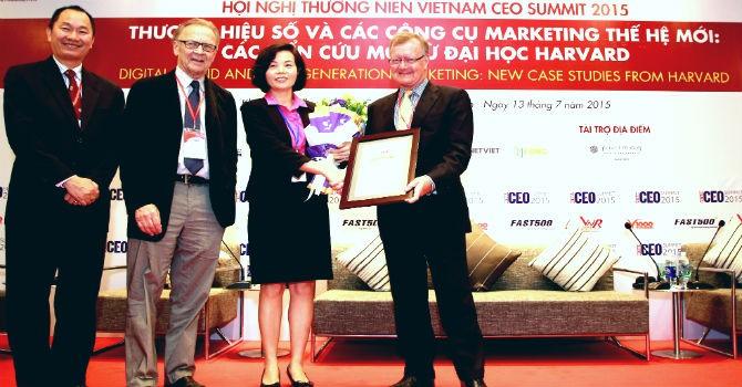Vinamilk đứng đầu top 10 doanh nghiệp uy tín nhất trên truyền thông 2015