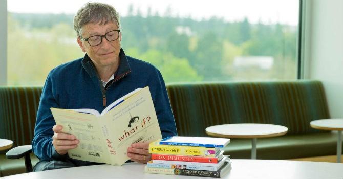 Đọc sách, thói quen của người giàu và siêu giàu?