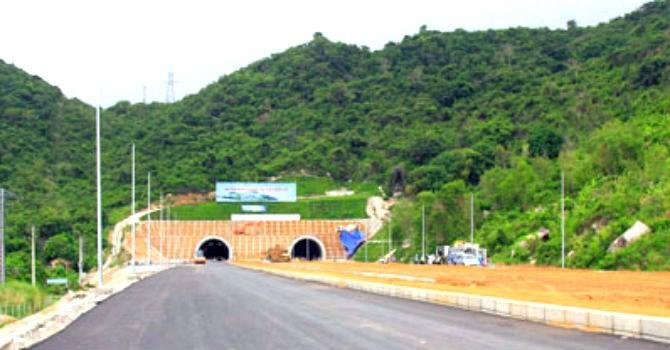 Hầm đường bộ Cổ Mã thông xe kỹ thuật cuối tháng 9
