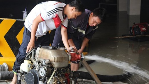 Dân Sài Gòn ở chung cư điêu đứng sau cơn mưa lịch sử