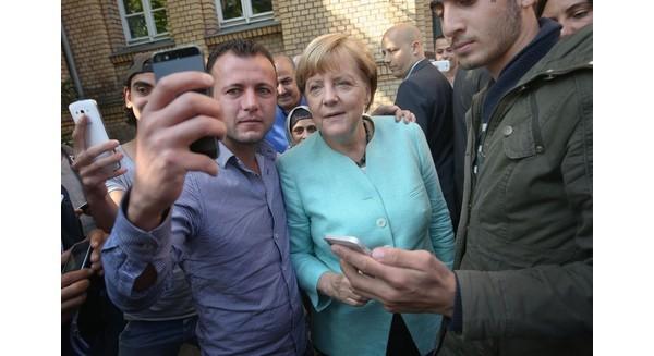 Thủ tướng Angela Merkel: Từ kẻ bị căm ghét đến vị thế của người hùng