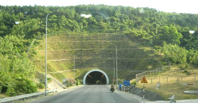 Mở rộng hầm đường bộ qua Đèo Ngang lên 4 làn xe