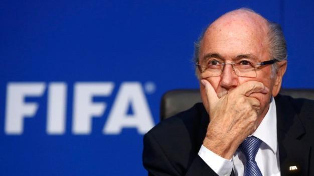 Chủ tịch FIFA Sepp Blatter bị thẩm vấn