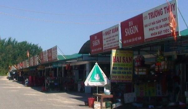 """Hà Tĩnh: Hé lộ nguyên nhân bia Sài Gòn """"tràn ngập"""" khu du lịch Thiên Cầm"""