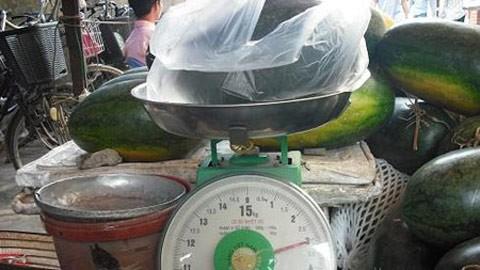 1kg trái cây mua ở chợ về chỉ còn gần 7 lạng